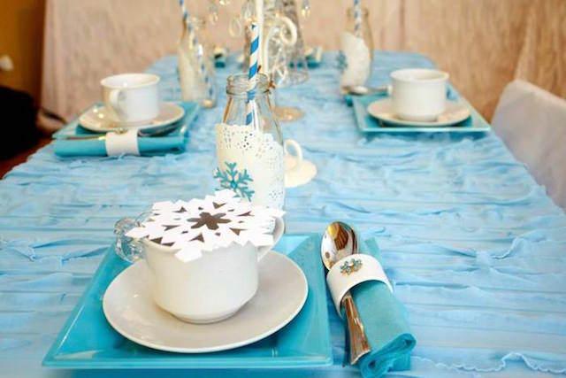 mesa decoración tierna color blanco azul invierno