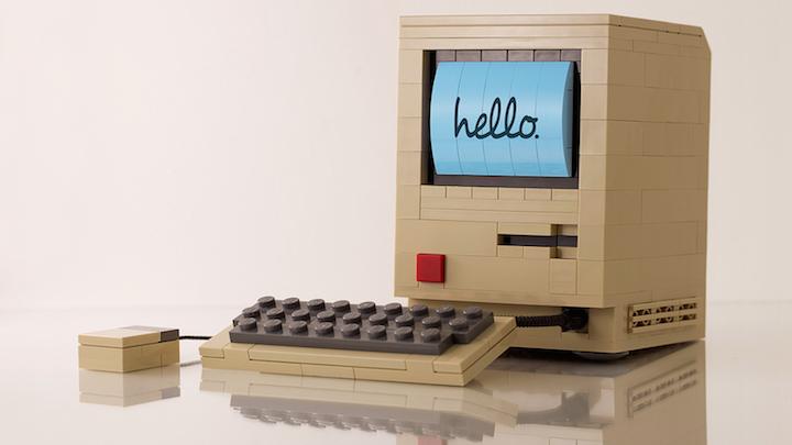 ordenador original primer Mac hecho Lego