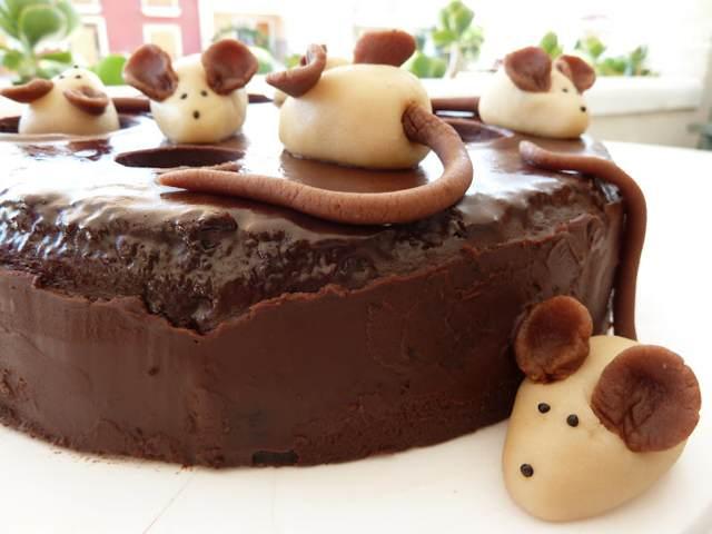 pastel de chocolate bizcocho magnífico decoración divertida fiesta