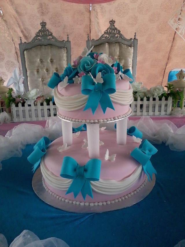 pastel de boda combinación color rosa turquesa