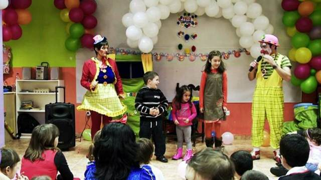 payasos fiestas infantiles decoración de globos juegos interesantes