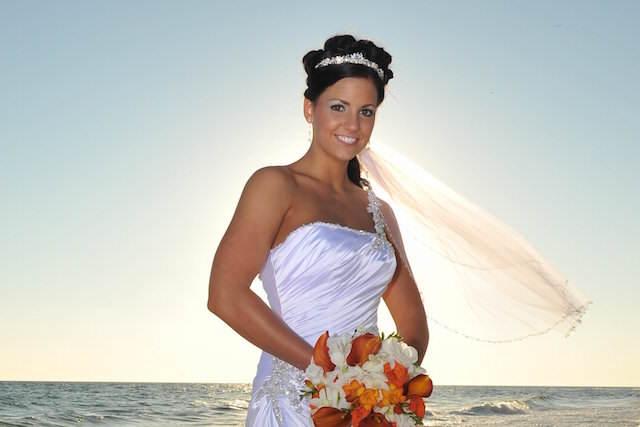 peinado velo de novia corto estilo playa