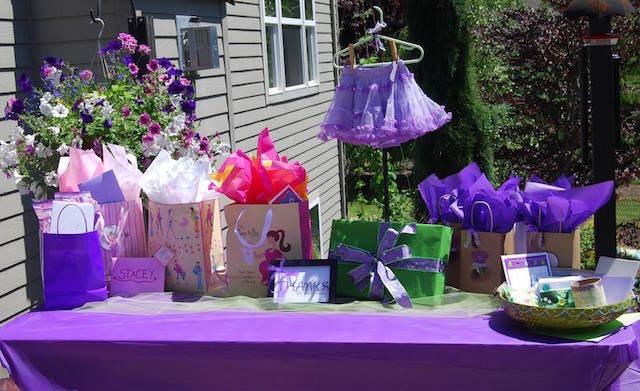 estupenda decoración cumpleaños color violeta