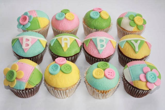 magníficas cupcakes pintadas baby shower