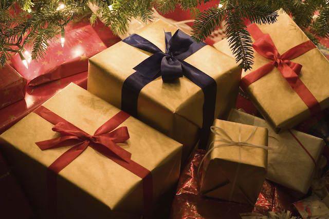 preciosos regalos de Navidad decoración oro