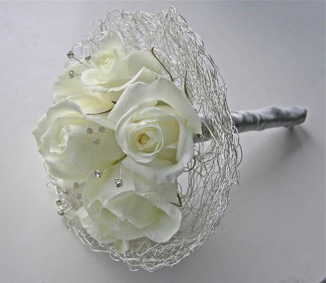 ramo de flores decoración tierna color aluminio