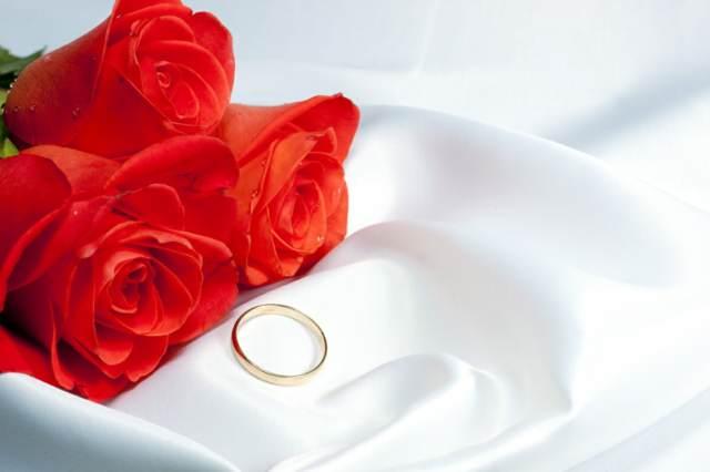 rosas anillo compromiso nviazgo memorable fin de año