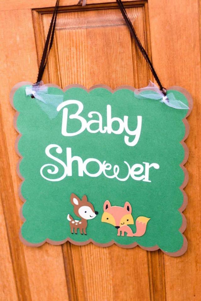 rótulo para puerta estilo bosque baby shower