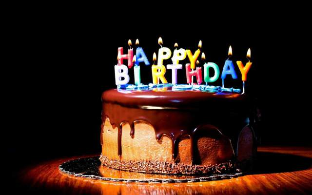 pastel cumpleaños ideas originales decoración velas