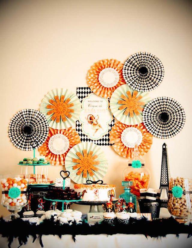 combinación vintage decoración temática París colores vivos
