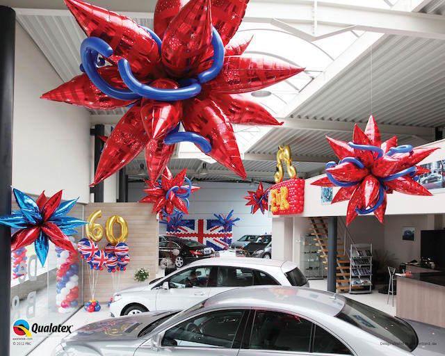 aniversario decoración techo globos colgantes