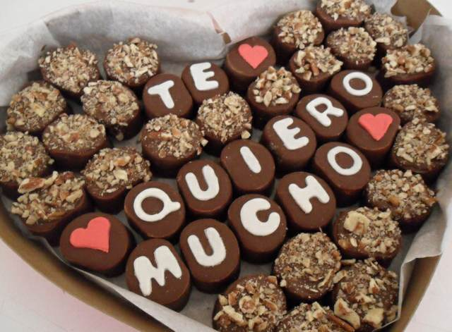 regalos para mi novio bombones forma corazón inscripción te queiro