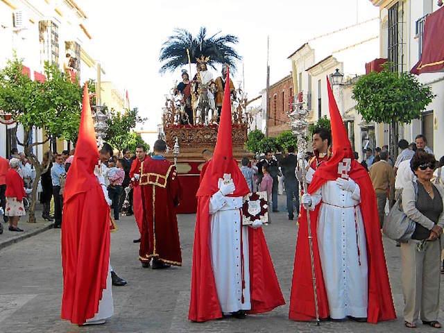 celebración fiesta Moguer Andalucía turistas