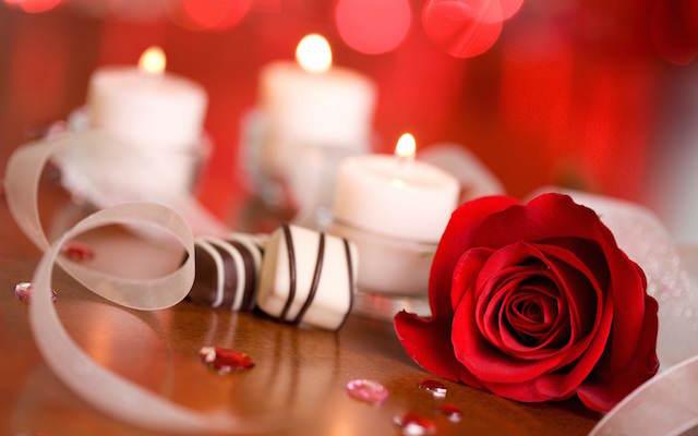celebración romántica fiesta aniversario caramelos velas