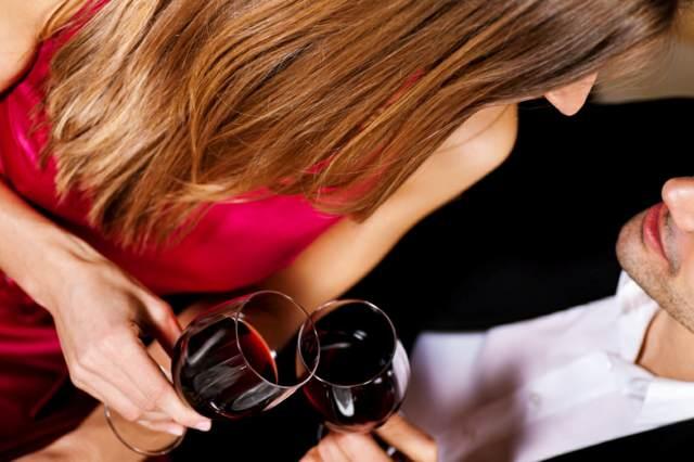 cena romántica 8 de marzo regalo aniversario