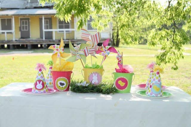 centros de mesa fiesta infantil al aire libre