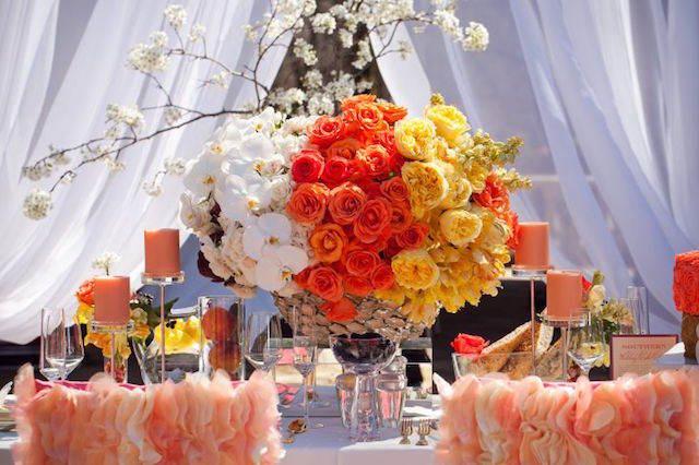 combinación colores modernos mandarina amarillo blanco