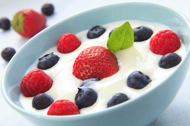 comidas sanas yogurt mezcla frutas frescas