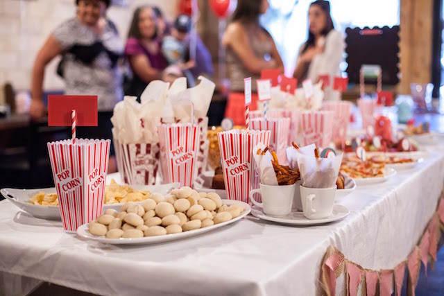 cumpleaños infantiles tema cine decoración mesa palomitas