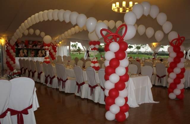 Fantásticos arreglos de globos para una boda magnífica