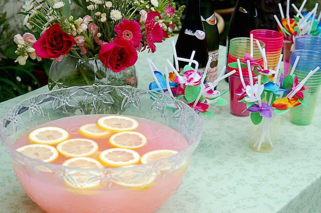 decoración mesa ideas para baby shower tema Hawaii