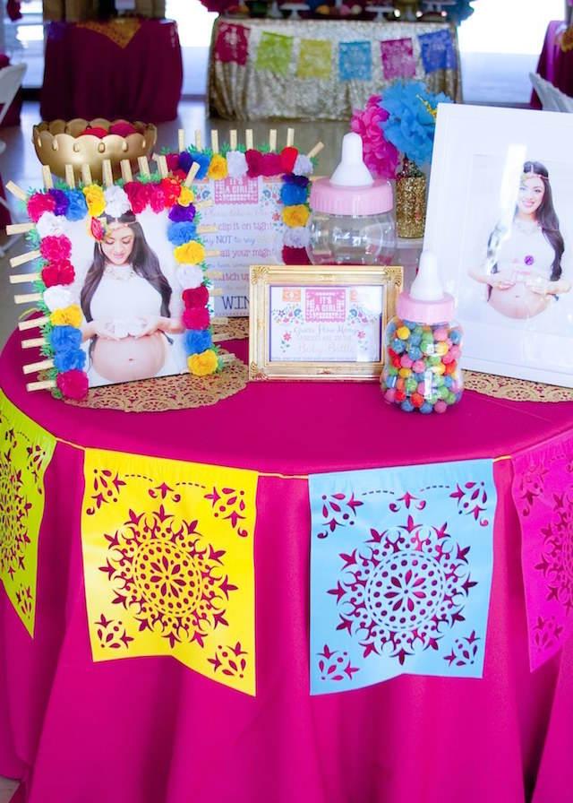 decoración multicolor bautizo tema México