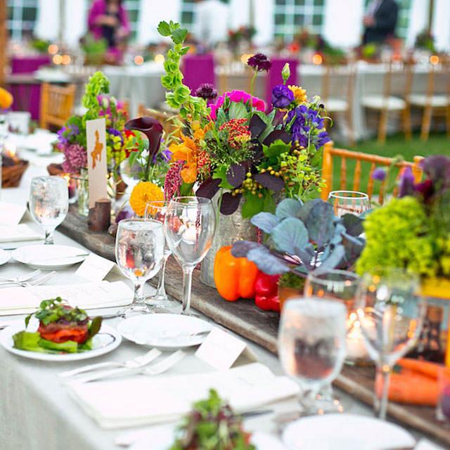 decoración multicolor tema rústico mesa boda