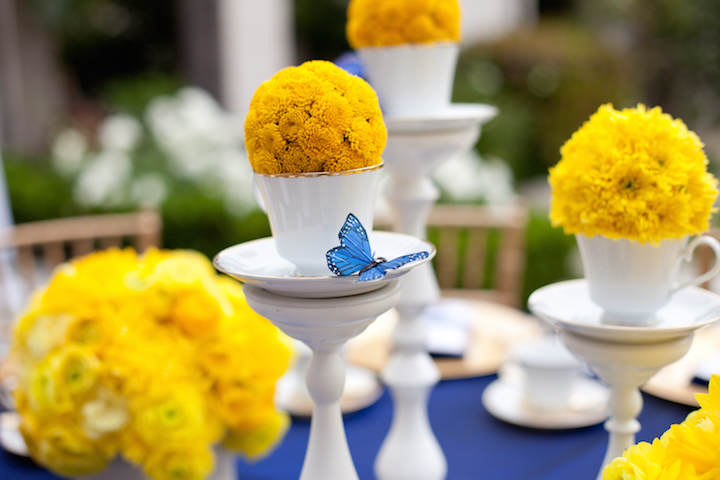 elegante decoración fiesta color amarillo azul