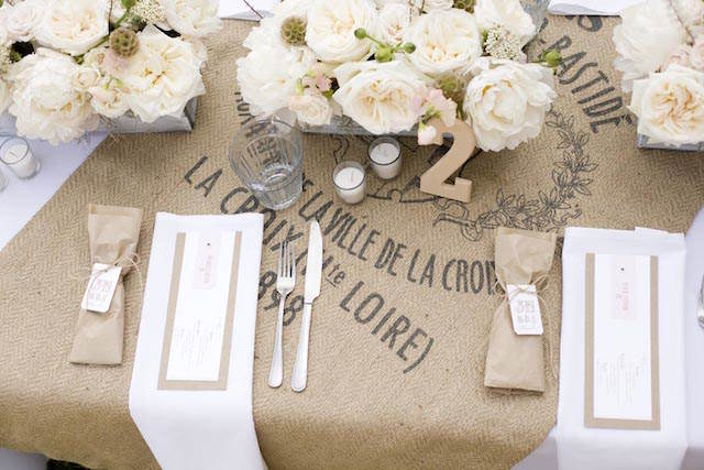 fantástica decoración tema rústico boda colores