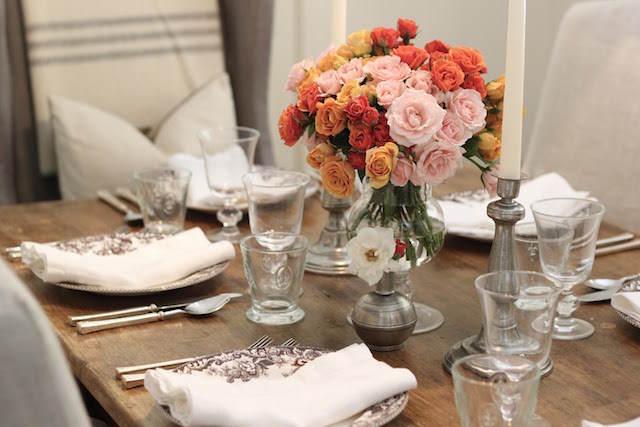 fiesta corporativa decoración centros de mesa flores