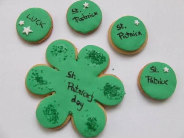 galletas decoración temáticas día San Patricio forma trébol postre sabroso