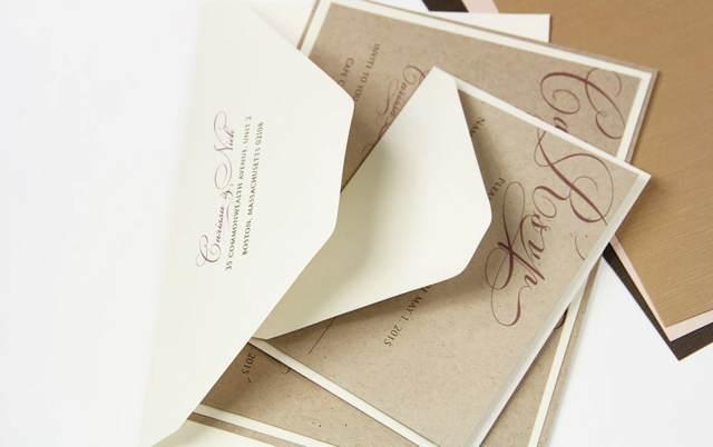 invitaciones de boda color almendra tostada tendencias modernas