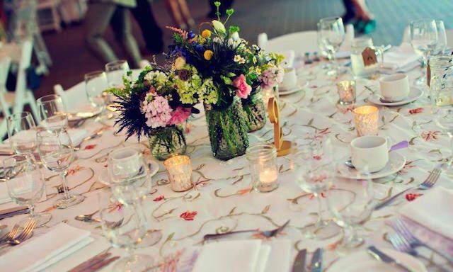 fantásticos centros de mesa para boda bohemia