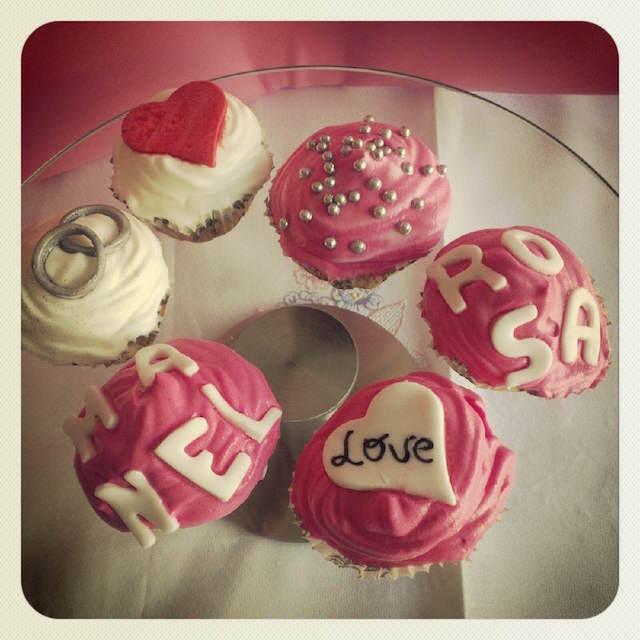 mensajes de aniversario cupcakes temáticos amor