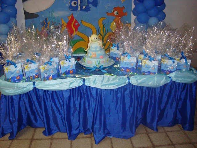 mesa decorada regalos tema mar cumpleaños infantiles