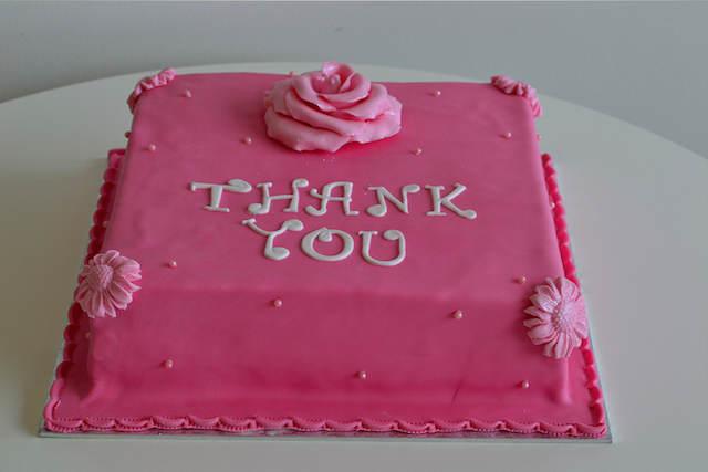 pastel dar gracias mensajes de aniversario