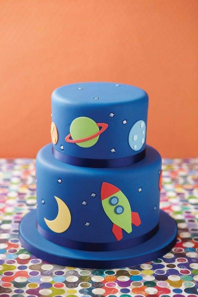 pastel para baby shower tema cosmos