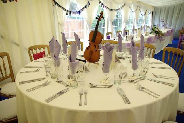 preciosa decoración boda tema música
