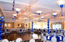 preciosa-decoracion-con-globos-evento-corporativo