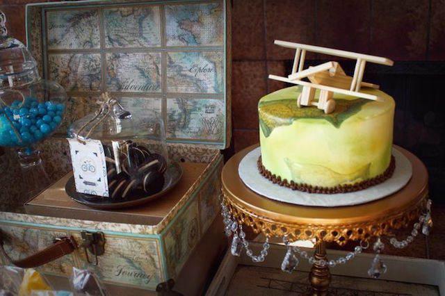 precioso pastel temático avión bautizo viaje