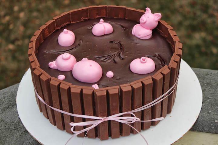 tarta tres chocolates decorada cerdos divertidos