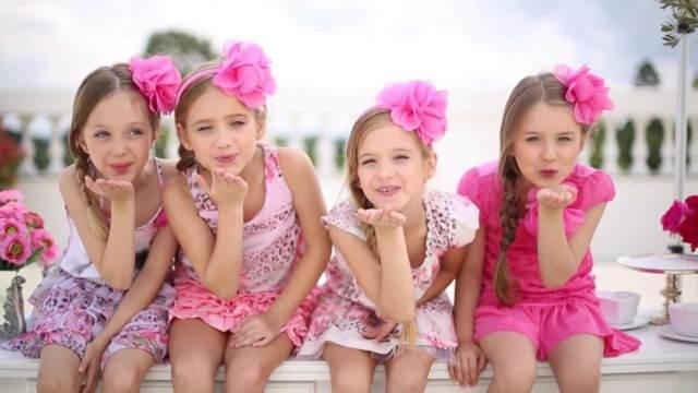 tendencias modernas moda original infantil colores rosa lila