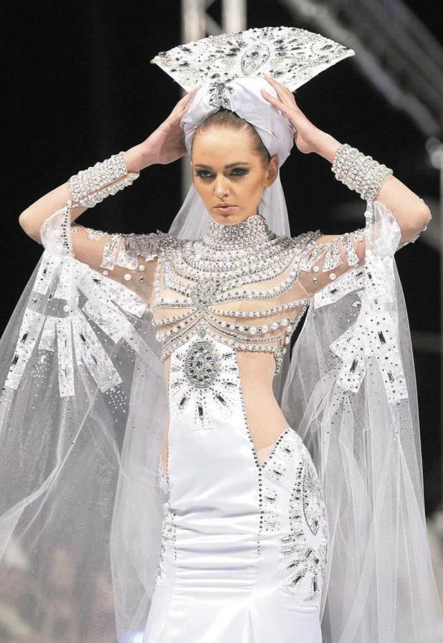trajes de novia ideas extravagantes modelos no estándar