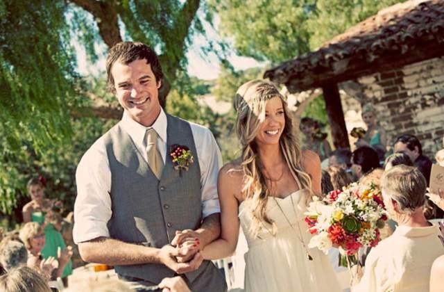 bodas estilo boho chic precioso ramo de flores
