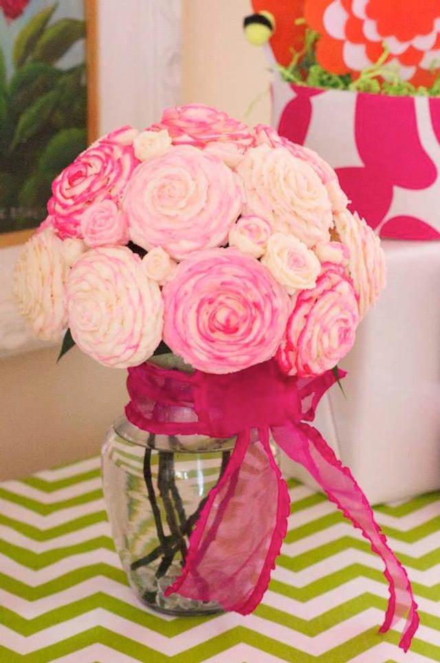 decoración con rosas preciosas ideas no estándares