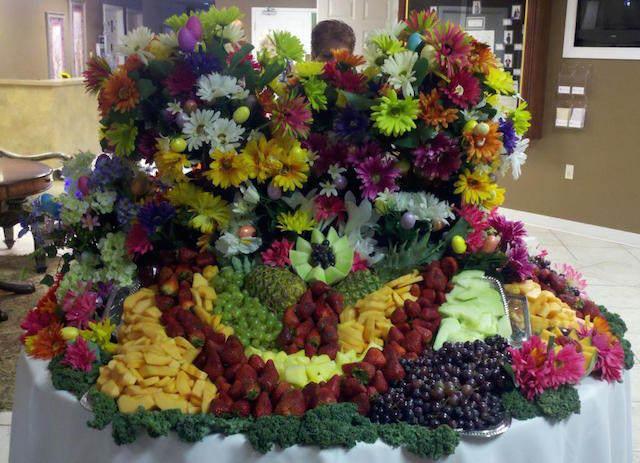 decoración suntuosa arreglos frutales flores preciosas