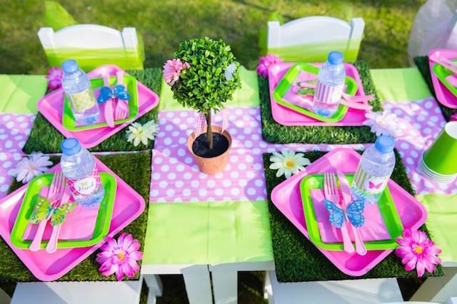 fantástica decoración con flores cumpleaños pintados