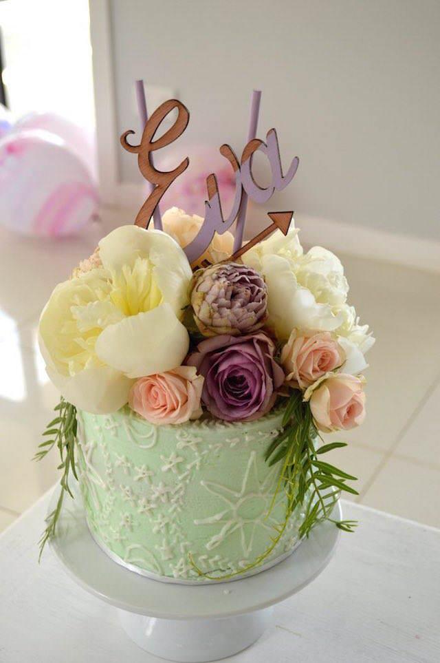 fantástico pastel para cumpleaños estilo boho chic