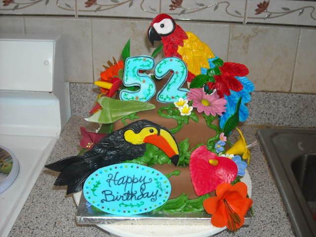 pastel para cumpleaños aves exóticas
