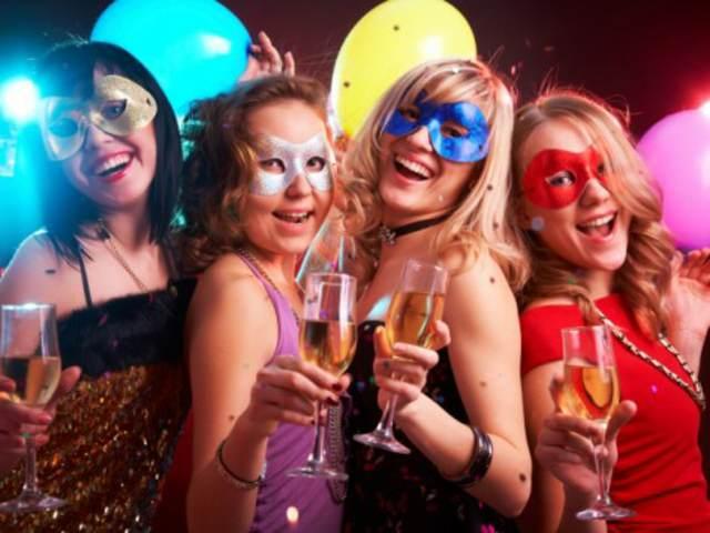 feliz cumpleaños 18 ideas fiesta divertida máscara